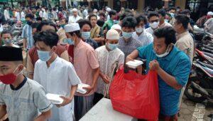 Hari Jumat Masjid Jami Anas Bani Malik Pondok Bahar Bagi Nasi Sampai 700 Kotak