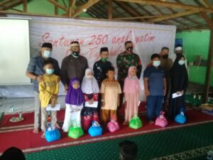 Kades Tajur Halang Kabupaten Bogor Berikan Santunan Kepada Anak Yatim
