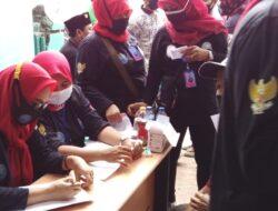 GANN DPC Kabupaten Tangerang Berkerjasama dengan Dinkes Curug Berikan 190 Vaksinasi Lansia